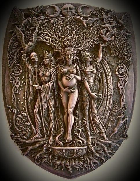 The emblem of the Triple Goddess, Apostle Film