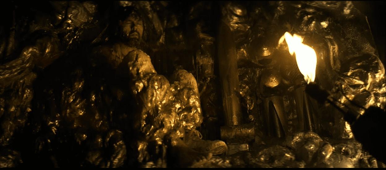 Dalls (Tom Skerritt) has his back against the wall in Alien