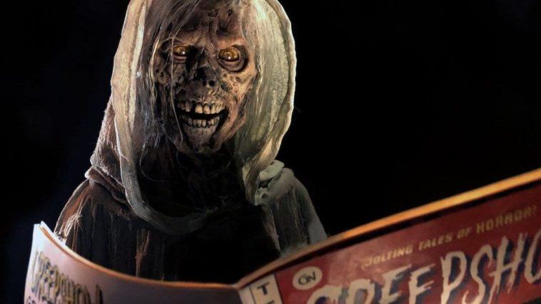 The Creep reading a comic book