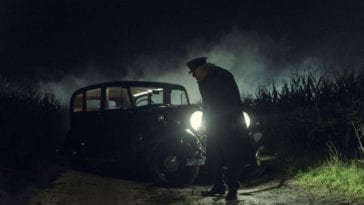 Charlie Manx (Zachary Quinto) lurks in front of his Rolls-Royce Wraith in the NOS4A2 pilot