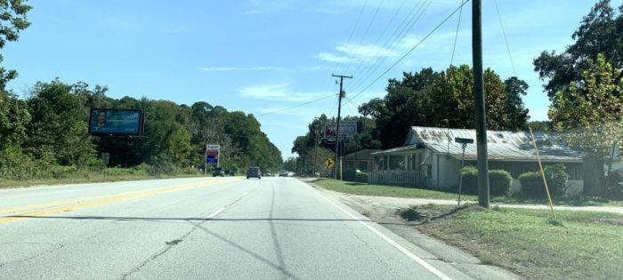 A stretch of Highway 17 in rural Jacksonboro, South Carolina
