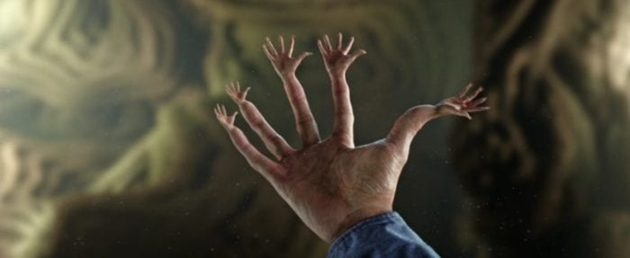 Stephen Strange's fingers growing new hands