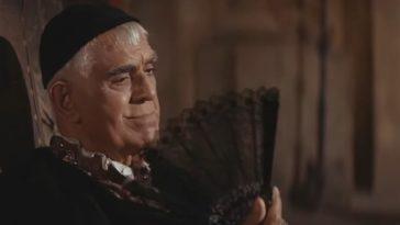 Boris Karloff fanning himself in The Raven